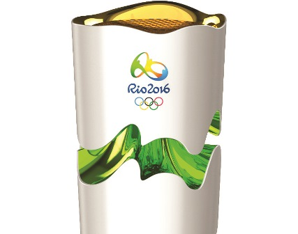 Luxuryretail_olympic-torch-rio-2016-brazil-chelles-and-hayashi-green