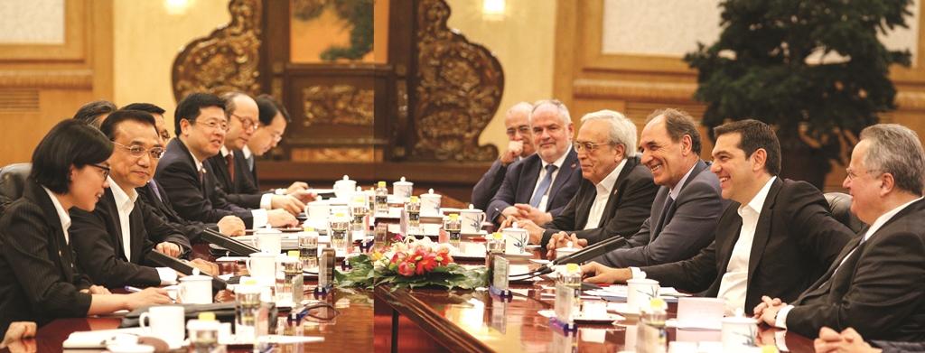 Επίσκεψη του πρωθυπουργού Αλέξη Τσίπρα στην Κϊνα. Το στιγμιότυπο από την συνάντηση με τον πρωθυπουργό Λί Κεκιάνγκ, την Δευτέρα 4 Ιουλίου 2016. (EUROKINISSI/ΓΡΑΦΕΙΟ ΤΥΠΟΥ ΠΡΩΘΥΠΟΥΡΓΟΥ/ANDREA BONETTI)