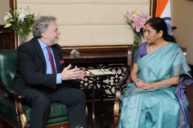 The Minister of State for Commerce & Industry (Independent Charge), Smt. Nirmala Sitharaman and the Alternate Minister of Foreign Affairs of Greece, Prof Georgios Katrougalos in a bilateral meeting, in New Delhi on November 23, 2016.