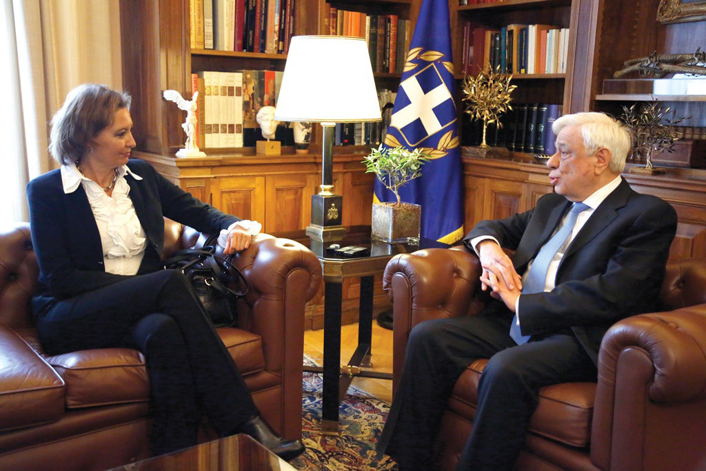IOM Deputy Director General pays Official Visit to Greece