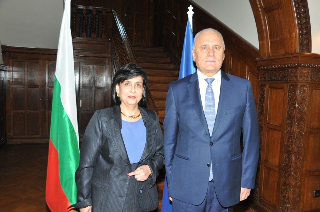 Bulgaria marks National Day with a warm reception