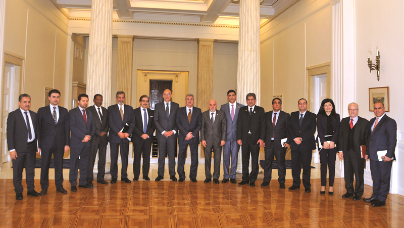 Minister of Foreign Affairs hosts Arab Envoys