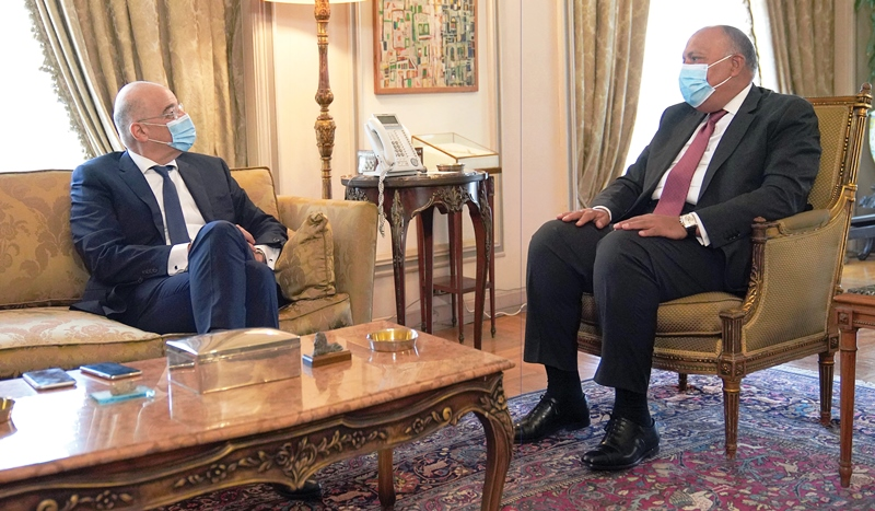 Greek Minister of Foreign Affairs meets with leadership in Cairo