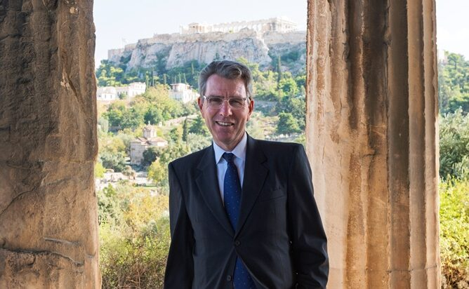 """""""The US is committed to Greece's prosperity, security & democracy."""" Interview with the US Ambassador"""
